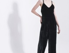 Black Velvet Jumpsuit with Thin Straps Carnet de Mode online fashion store Europe France