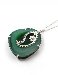 NECKLACE - PAISLEY - JADE GREEN Carnet de Mode online fashion store Europe France