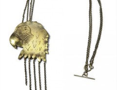 pendant-brooch brass necklace - Parrot Carnet de Mode online fashion store Europe France